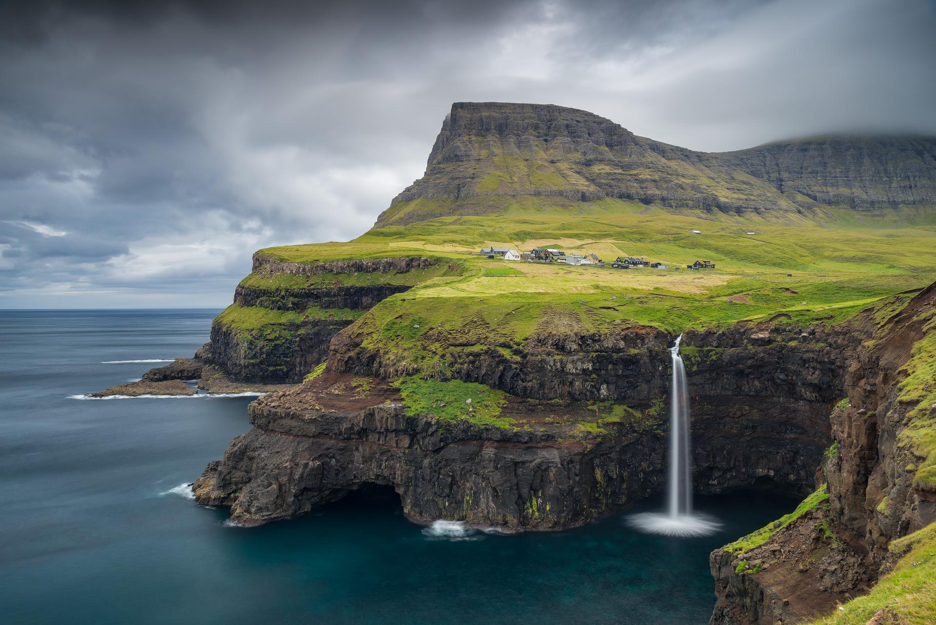 Gásadalur, isle of Vágar (Fær Øer)